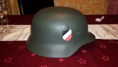 Wehrmacht HELM M35 mit Helmabzeichen