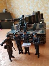 1/16 RC Tiger Panzer 1943 BB mit Metallunterwanne und Metallgetriebe
