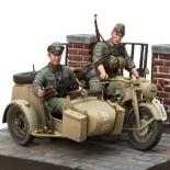 Motorrad Zündapp KS-750 Set 1:16 mit Seitenwagen und 2 Figuren - Bausatz