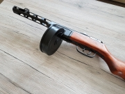 PPSh-41 Maschinenpistole - Dekomodellwaffe