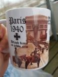 Paris 1940 - Urlaub kann so schön sein - Nach Frankreich fahren wir nur auf Ketten! - Tasse